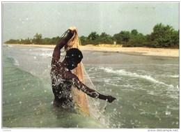 GUINE GUINEA GUINEE BISSAU BIJAGOS ISLANDS PESCADOR BLACK FISHERMAN  (2 SCANS) - Guinea-Bissau