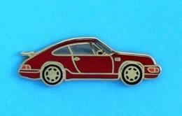 1 PIN'S //   ** PORSCHE 911 CARRERA ** . (Made In France) Attaches Double - Porsche
