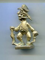 Kinder 1990 RARE : Les Pirates Grotesques : N°3  Métal Laiton - Figurines En Métal