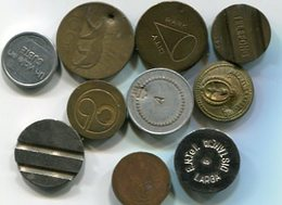 LOTE 10 DIFERENTES FICHAS, COSPELES, MEDALLAS. DIFERENTES MATERIALES, TAMAÑOS. ARGENTINA. SOLD AS IS - LILHU - Jetons & Médailles