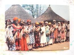 L'Afrique En Couleurs Danse Au Village - Afrique