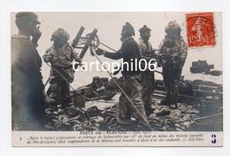 - CPA CALAIS (62) - PERTE DU PLUVIOSE (Juin 1910) - Deux Scaphandriers De La Marine Sont Remontés à Bord Des Chalands... - Calais