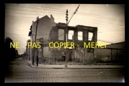 REIMS (MARNE) - RECONSTRUCTION DE LA VILLE APRES LA PREMIERE GUERRE - LOT DE 18 PHOTOGRAPHIES - Places