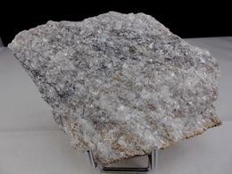 CIPOLIN A FORSTERITE ET HUMITES 12, X 8 CM Secteur De Paulhaguet - Minéraux