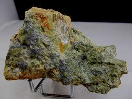 SCHEELITE ET MISPICKEL (associés) 7, X 6, CM PONTGIBAUD (la Scheelite Réagi Fortement Aux UVC En Bleu Clair) - Minéraux