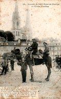 Chartres (28) : Le Globe Trotter Doussineau Devant Notre Dame De Chartres - Chartres