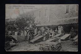 PIERREFEU Une Bouchonnerie - Autres Communes
