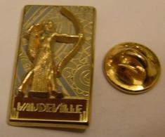 BRASSERIE RESTAURANT VAUDEVILLE ARCHER ARC PARIS MYTHOLOGIE GRECQUE COURTOIS Pin Pin's Pins - Pin's