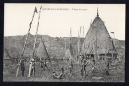 OCEANIE - NOUVELLE CALEDONIE - Village Canaque - Nouvelle-Calédonie