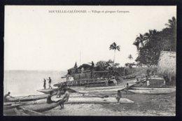 OCEANIE - NOUVELLE CALEDONIE - Village Et Pirogues Canaques - Neukaledonien