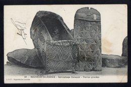 OCEANIE - NOUVELLE CALEDONIE - Sarcophage Canaque - Pierres Gravées - New Caledonia