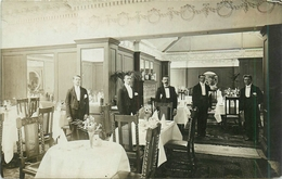 Carte Photo à Identifier : Intérieur De Salle De Restaurant Années 30 Avec Personnel - Restaurants