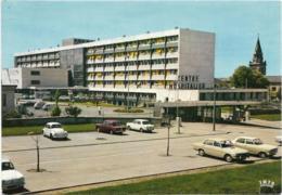 D03 - VICHY - CENTRE HOSPITALIER-LES NOUVEAUX BÂTIMENTS ET ENTREE BOULEVARD DENIERE-VW COCINELLE ETC.- CPSM Grand Format - Vichy