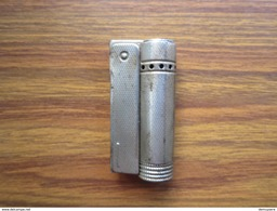 138 - Briquet à Essence - Benzine Aansteker - PATENT MINI FOX MADE IN AUSTRIA - Briquets
