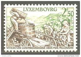 584 Luxembourg Vendanges Vigne Vin Vino Wine Wein Raisin Grapes MNH ** Neuf SC (LUX-93) - Vins & Alcools