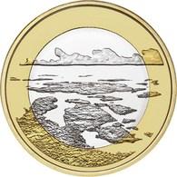 """FINLANDIA  5€ 2.018  2018  Bimetálica """"Paisajes Nacionales – Mar Del Archipiélago""""  SC/UNC T-DL-12.261 - Finlandía"""