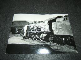 Photo Véritable 12,5 X 17,5 Cm Marc Dahlström :  Locomotive 141 E Au Dépôt De  MONTLUCON  Août 1965 - Treinen