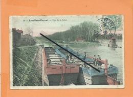 CPA  Abîmée - Levallois Perret  - Vue De La Seine -( Péniche , Péniches ) - Levallois Perret