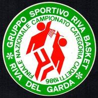 PALLACANESTRO - ITALIA RIVA DEL GARDA 1983  - ADESIVO / AUTOCOLLANT FINALE NAZIONALE CAMPIONATO CATEGORIA CADETTI - Adesivi