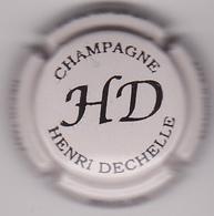Capsule Champagne DECHELLE Henry ( 4 ; Gris Pâle Et Noir ) {S07-19} - Non Classés
