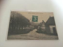 BN - 1400 - MAREUIL-la- MOTTE  - La Place - Le Jeu D'Arc - Tir à L'Arc