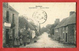 CPA 56 PLEUGRIFFET ( Morbihan ) : Rue De La Mairie,animée. édit Vve Chamarre. - Autres Communes