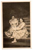 Tarjeta Postal  Mujeres. - Postales
