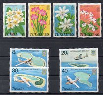 TUVALU   Timbres Neufs ** De 1978 /79   ( Ref 6092 )  Fleurs - Avions - Tuvalu