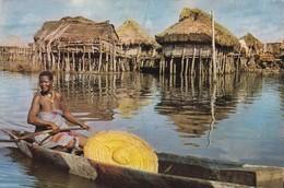 AFRIQUE. DAHOMEY.  VILLAGE LACUSTRE. ANNEE 1962. PUBLICITE AMORA - Dahomey