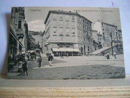 Trieste - Piazza Caserma ( Ora Piazza Dalmazia )  E Via Commerciale - Bar - Tram Filobus - Costumi Animata - Originale - Trieste