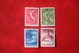 Mixed Lot Inheemse Voorstellingen 1953-1954 POSTFRIS / MNH SURINAME / SURINAM - Surinam ... - 1975