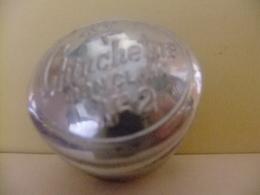 Caja De CHINCHETAS Para Cien Chinchetas Con Clavo Número 2 - Otras Colecciones