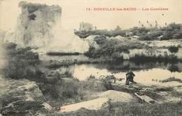 DONVILLE LES BAINS - Les Carrières, Une Lavandière. - France