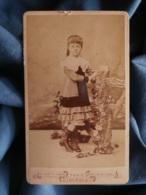 CDV A. Thomas à Paris à Paris - Portrait Femme Col Dentelle (Jeanne Hoedts Future épouse Coutant) Circa 1880-85 L425 - Old (before 1900)