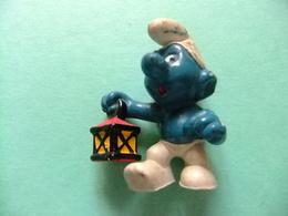 PITUFOS SCHTROUMPF SMURF Con Lampara SCHLEICH PEYO 1977 Made In Hong Kong - Smurfs