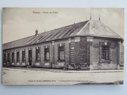 C.P.A. : 28 TOURY : Ecole Des Filles, Animé , Timbre En 1927, Plan RARE - Francia
