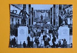 PK/CP : Wereldtentoonstelling Expo 1958 - Paviljoen Van USSR. Binnenzicht - Expositions Universelles