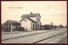 Vaumas  La Gare  Wagons Chemin De Fer  *  Allier 03220  * Vaumas Canton De Dompierre-sur-Besbre - Autres Communes