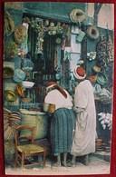 Cpa ALGERIE , Metiers , UNE BOUTIQUE ARABE , Colorisée , Animée , ETHNIC POEPLE IN AN ARAB SHOP , ALGERIA OLD PC - Afrique