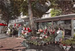 42 // SAINT-ETIENNE EN 1959 // LE MARCHE AUX FLEURS DE LA PLACE DU PEUPLE - EDITIONS LA CIGOGNE - Saint Etienne
