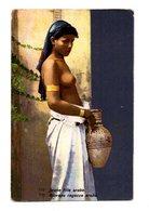 TYPES . Jeune Fille Arabe ( Seins Nus ) - Afrique