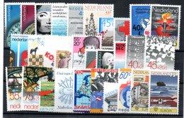 Pays Bas / Lot De Timbres / Etats Divers - Collezioni