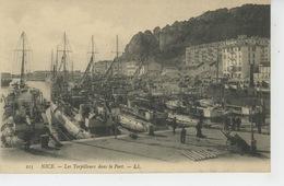NICE - BATEAUX - Les Torpilleurs Dans Le Port - Transport Maritime - Port