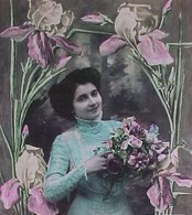 Cpa BONNE FETE, JEUNE FEMME AUX IRIS , Fleurs, Woman & IRISES FLOWERS EDITEUR LOTUS - Femmes