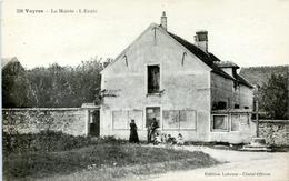 91. ESSONNE - VAYRES. La Mairie - L'Ecole. - Autres Communes
