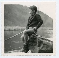 Enfant Kid Boy Garçon Gamin Short Lac Child Pêche Beauty Portrait Humaniste Iconic Figure 60s - Personnes Anonymes