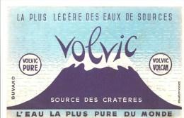 Buvard VOLVIC La Plus Légère Des Eaux De Source Source Des Cratères L'eau La Plus Pure Du Monde - Softdrinks