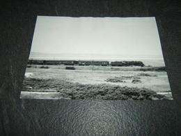 Photo Véritable 12,5 X 17,5 Cm Marc Dahlström :  Locomotive 141 R Et Voitures CIWL à ETAPLES Septembre 1966 - Treinen