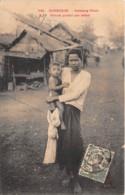 Cambodge / Femme Portant Son Enfant - Belle Oblitération - Cambodge