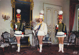 """MONT De MARSAN - MAJORETTES - """"Charme Et Sourire Des Landes De Gascogne"""" Les Officiers - Mont De Marsan"""
